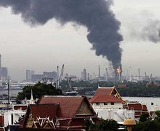 The Bangchak refinery fire created a thick pall of smoke over the Thai capital